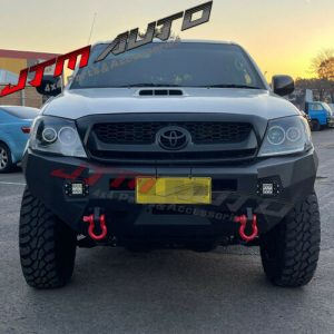 Heavy Duty Deluxe Bull bar Winch compatible to suit Toyota Hilux N70 2005-2010